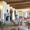 Insbesondere die Inneneinrichtung der Wohnräume des La Lepraia begeistert durch edle Materialien und Kunstwerke