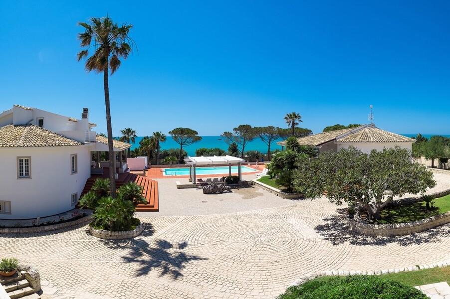 Villa Maya auf Sizilien direkt am Meer von Marina di Modica