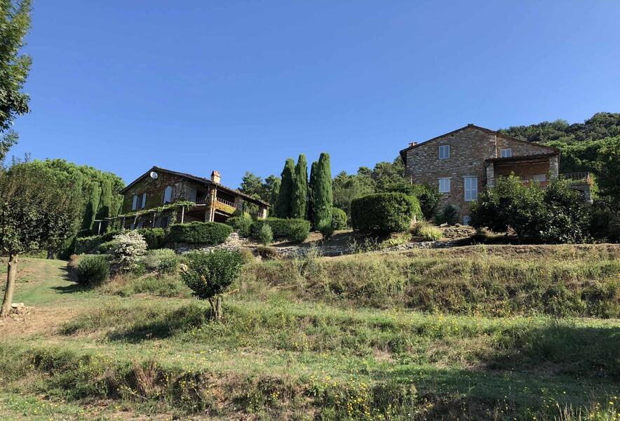 Das Toskaner Ferienhaus Compignano Barn liegt inmitten von Wäldern eines Nationalparks