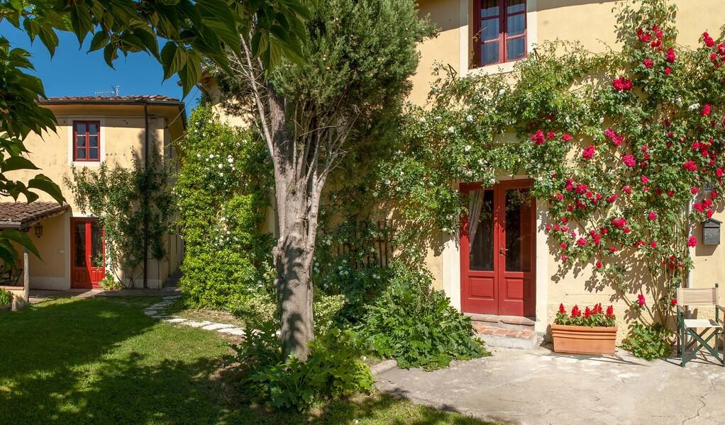 Das Ferienhaus Le Casine begrüßt Sie im typischen toskanischen Baustil
