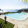 Pool mit Blick auf das Meer von der Villa Buenavista auf Sizilien
