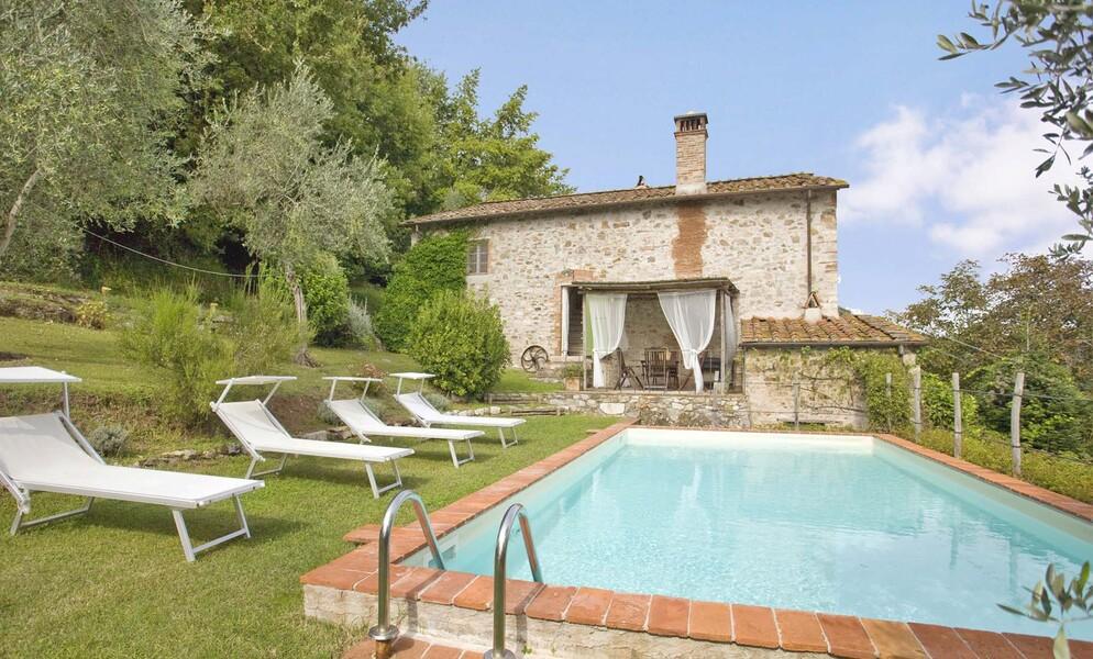 Pool zur Alleinnutzung im Ferienhaus casa fiora in Italien