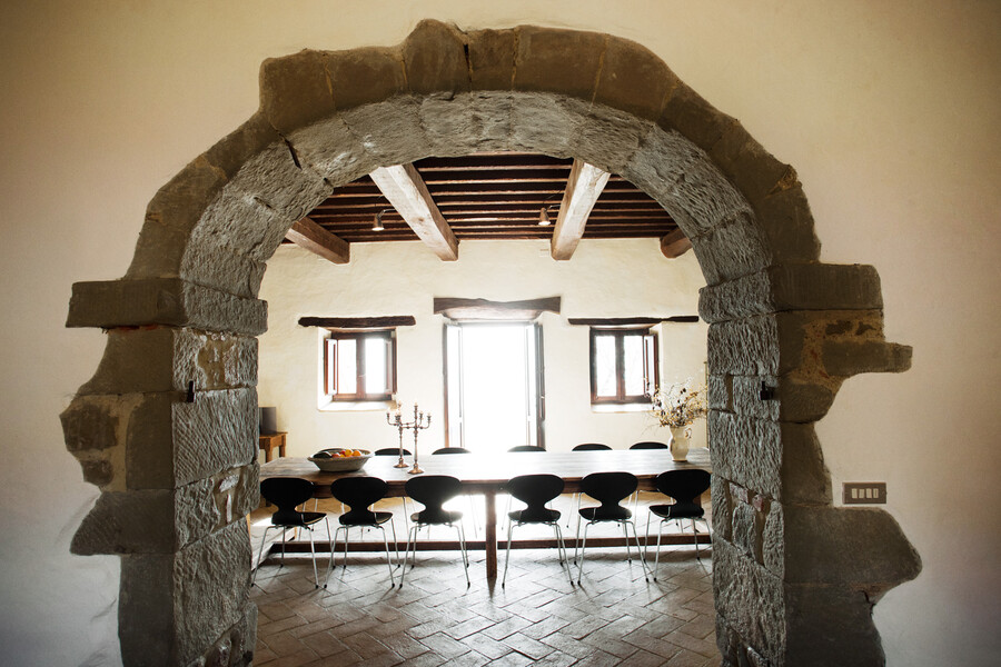 Large dining table in the villa in Umbria Casa Bramasole