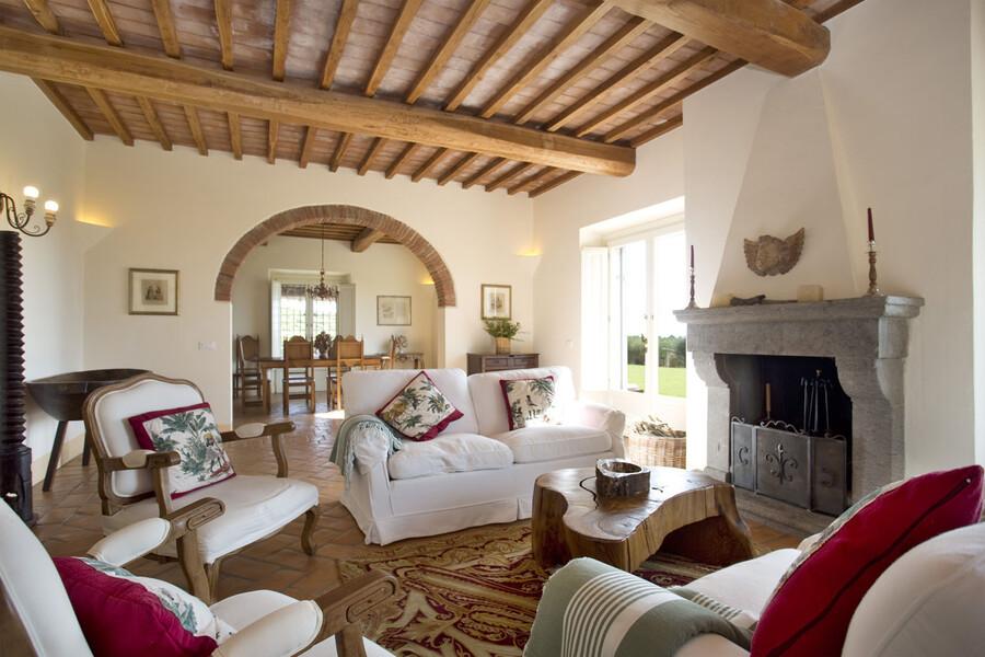 Die Inneneinrichtung der Häuser der Ferienvilla La Lepraia zeichnet sich durch hochwertige und edle Materialien aus