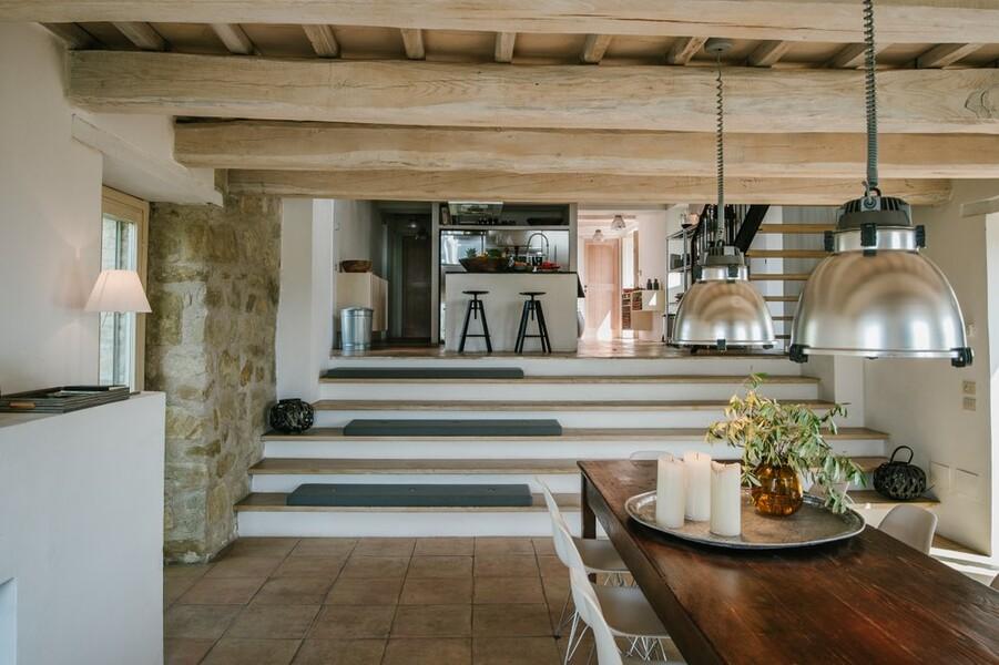 Helles Wohn- und Esszimmer im modernem Design im Casa Winther